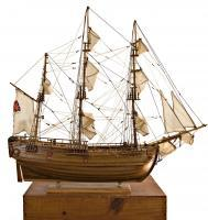 Model Of The Ehdeavor - Model Of The Hms Endeavor - Medium