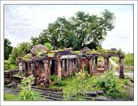 Oil Painting - Ancient Temple Of Vijaynagar Gujarat India - Oil On Canvas